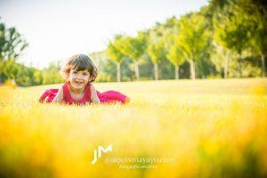 Lara en el Parque del Ebro Fotografía Infantil Logroño